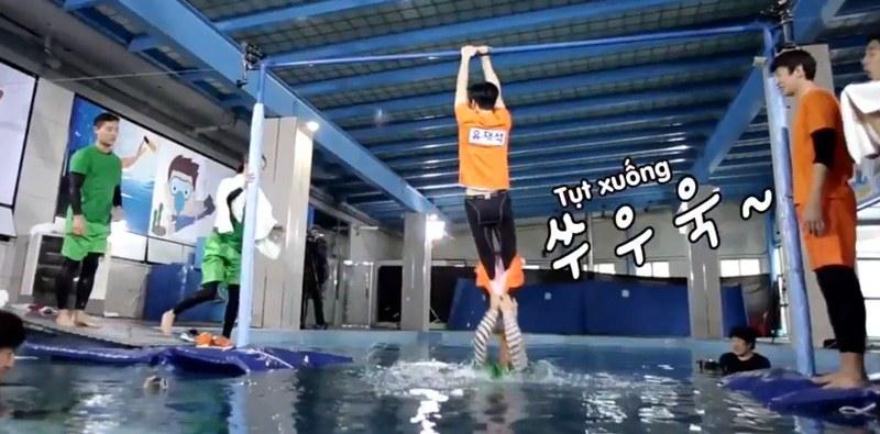 Yoo Jae Suk gặp tai nạn với chiếc quần tập 175